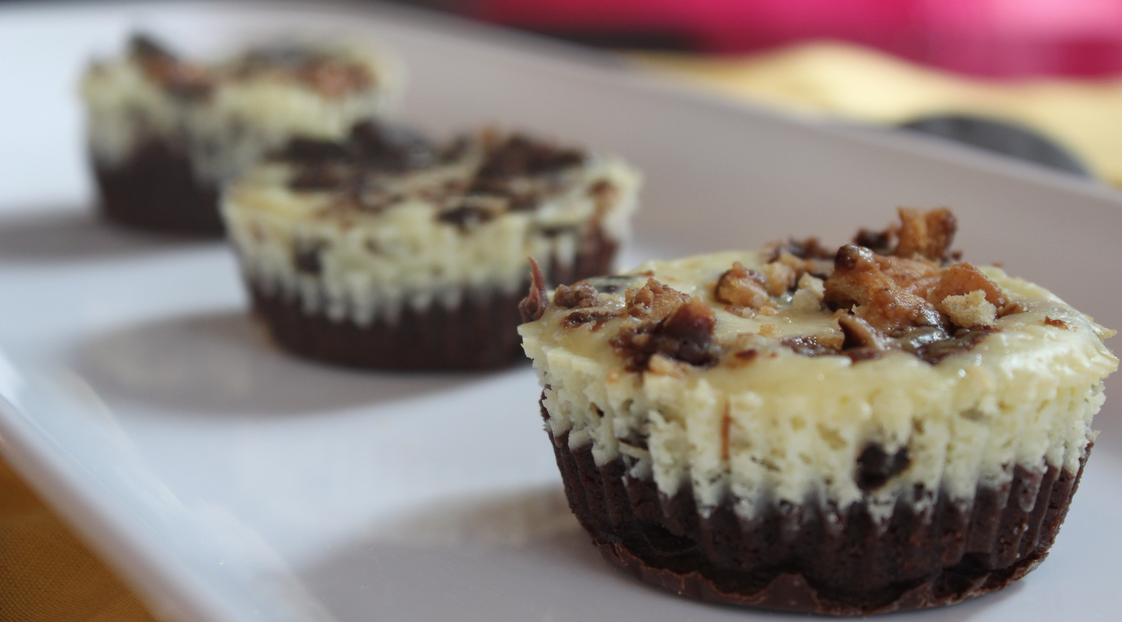 Girl Scout Cookie Mini-Cheesecakes