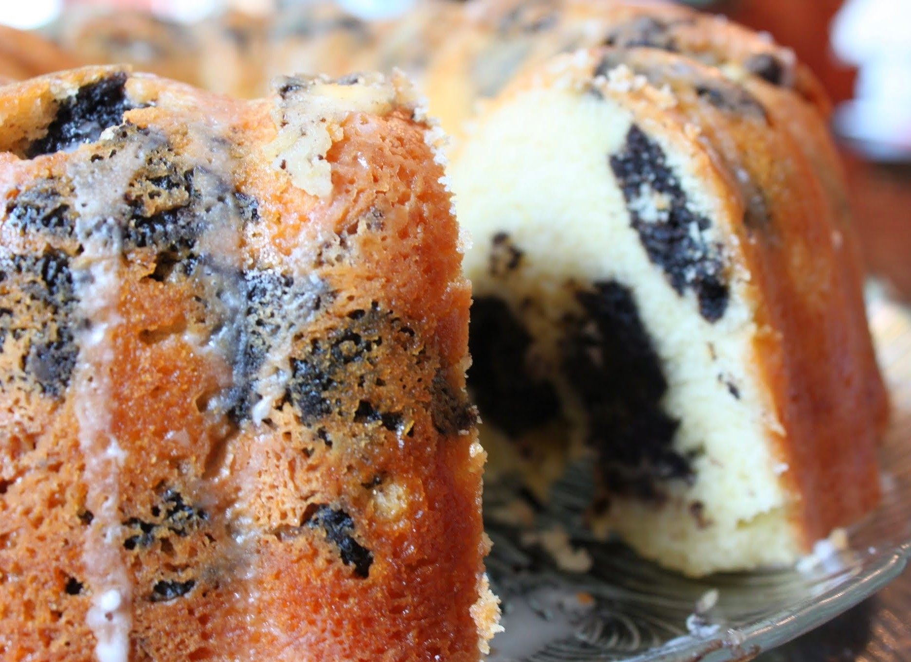 Oreo Tunnel Pound Cake