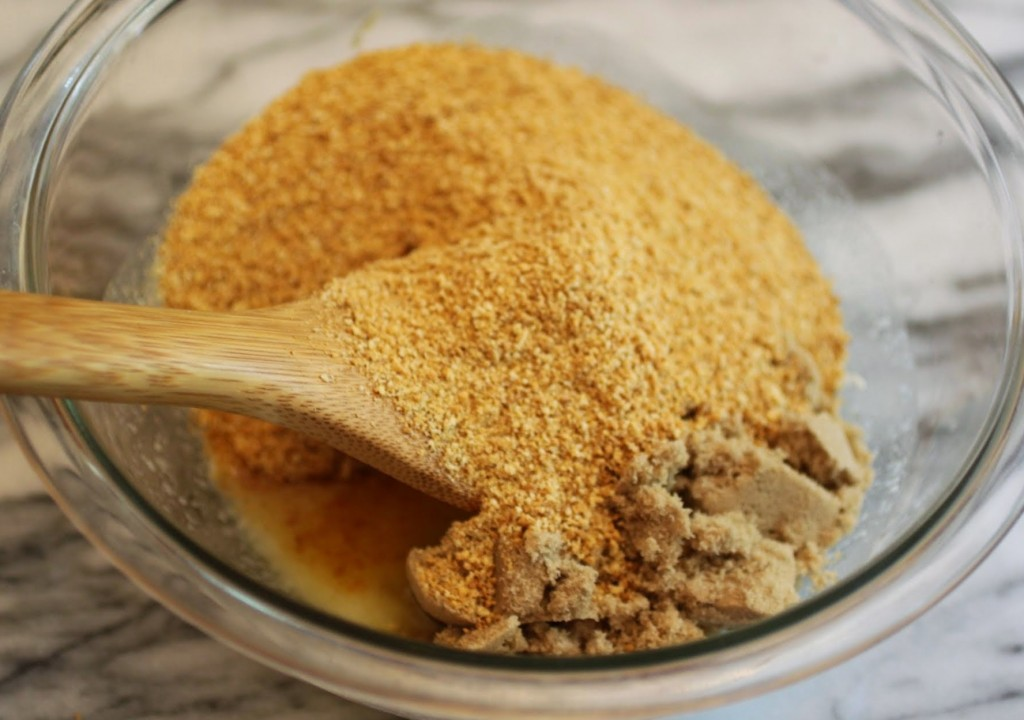 Tricked-Out Graham Cracker Crust Tutorial