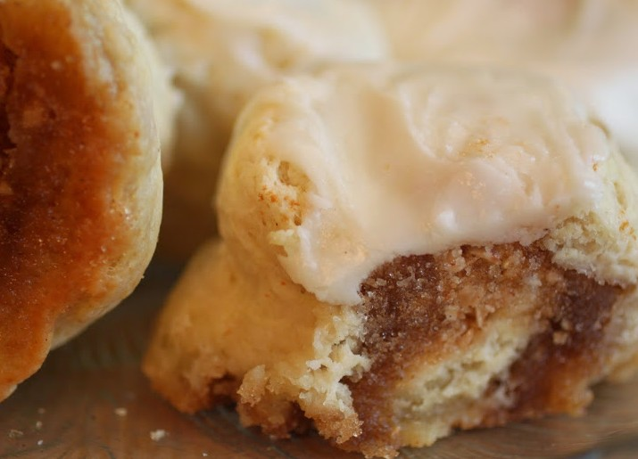 Browned Butter Toffee Cinnamon Rolls (No Yeast!)