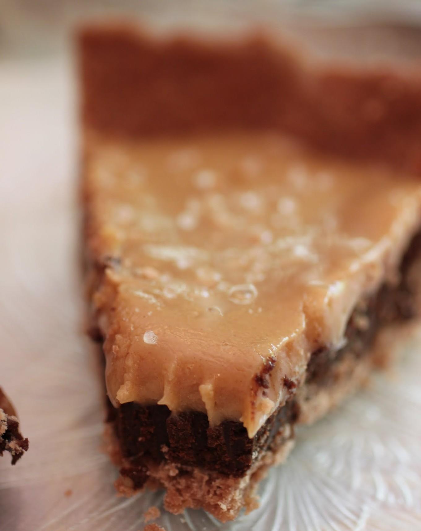 Salted PB Caramel Ganache Pie