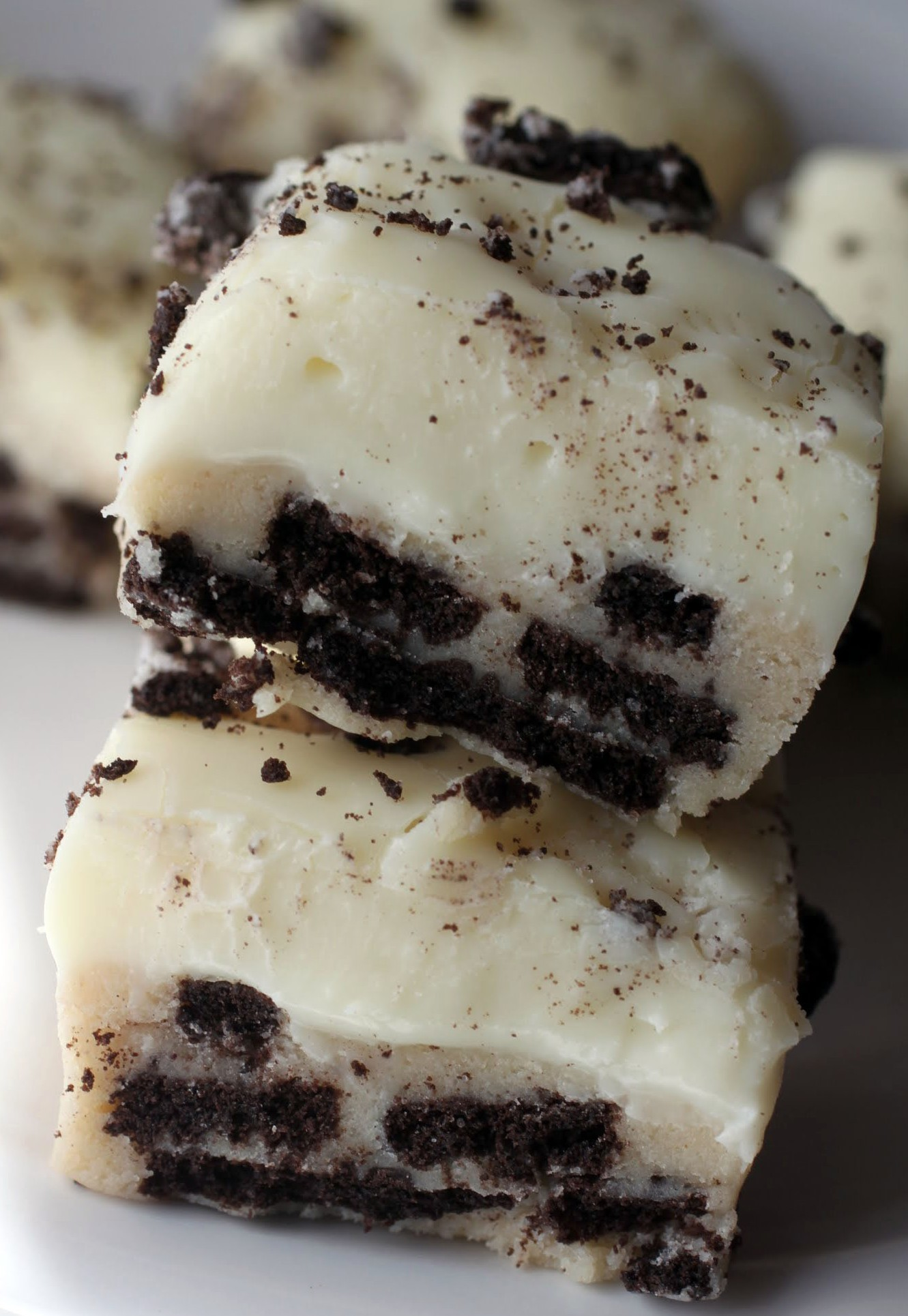 Oreo Cookie Dough Fudge Bars