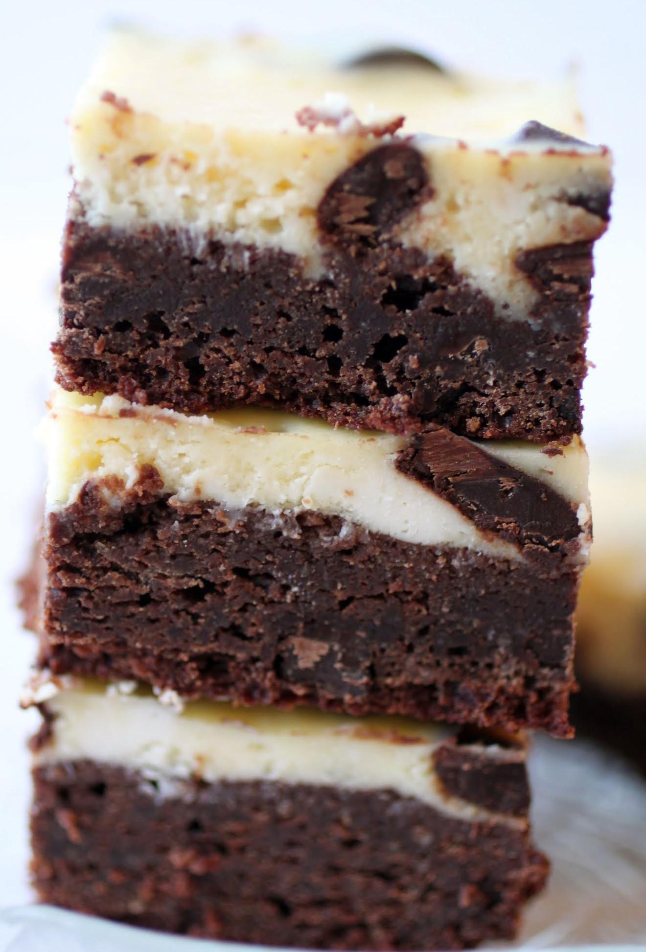 Chocolate Chunk Cheesecake Brownies