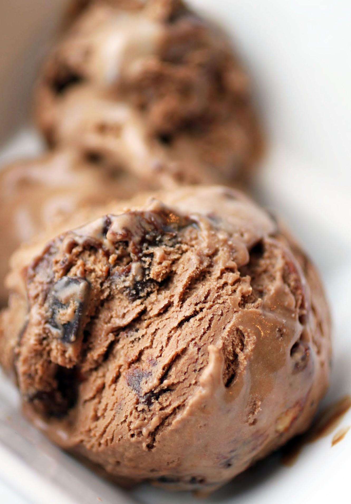 Mocha Almond Fudge Chunk Ice Cream (Plus A Giveaway!)