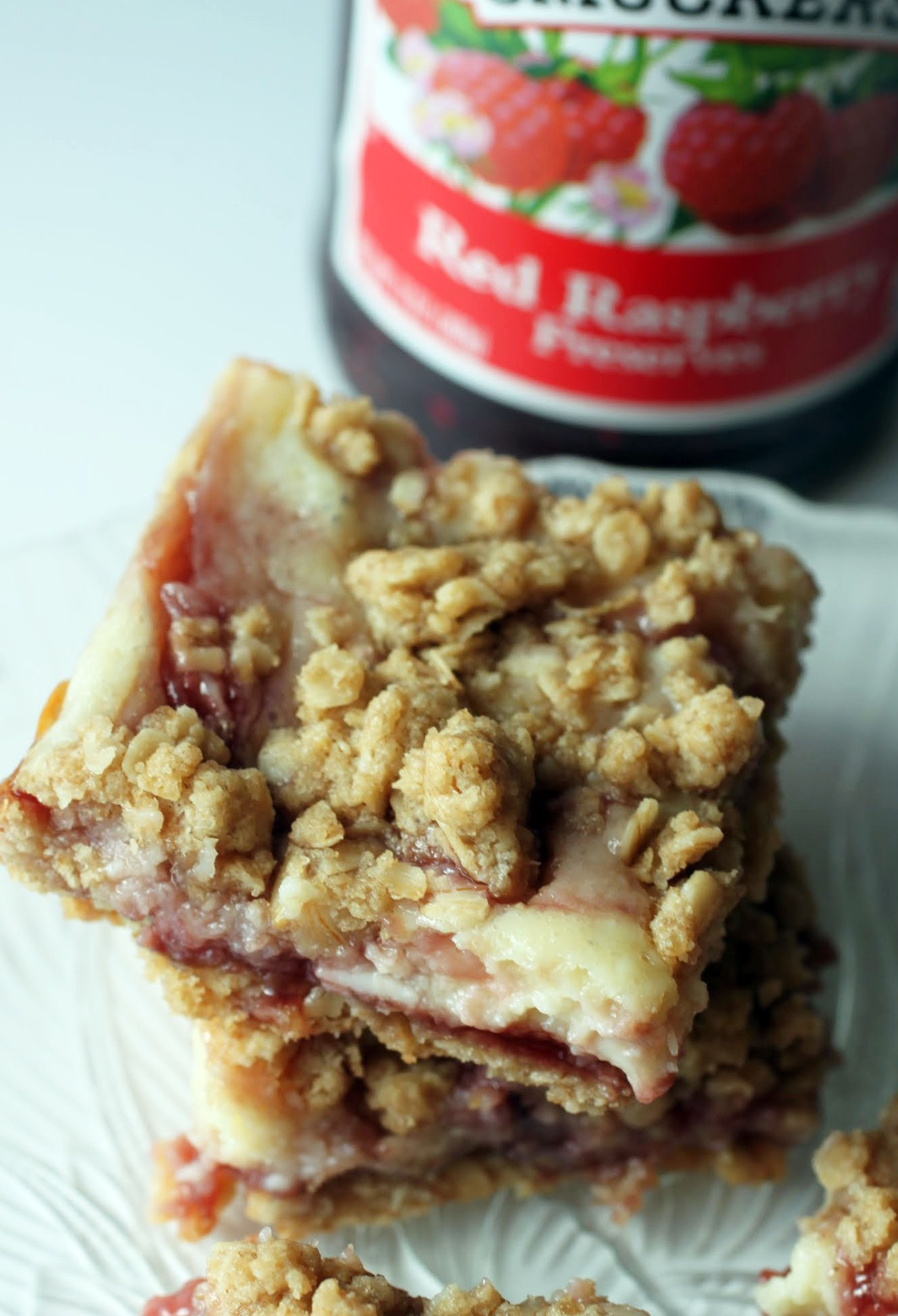 Raspberry Cheesecake Crumb Bars